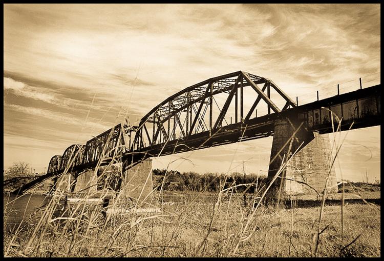 red-river-bridge-